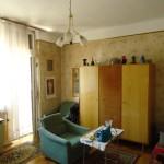 kis lakás előtte nappali