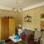 kis lakás előtte szoba
