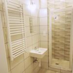 kis lakás modern fürdőszoba