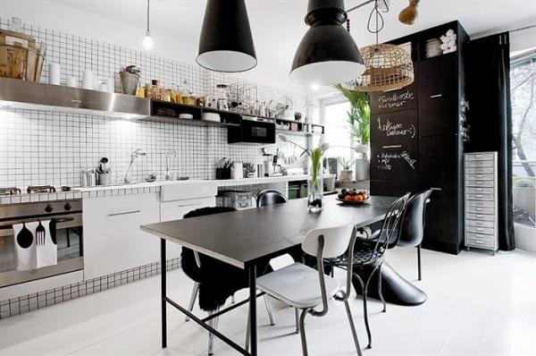 fekete-fehér konyha extrákkal