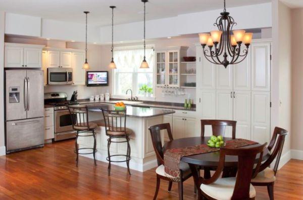 Lámpacsalád konyhában és étkezőben