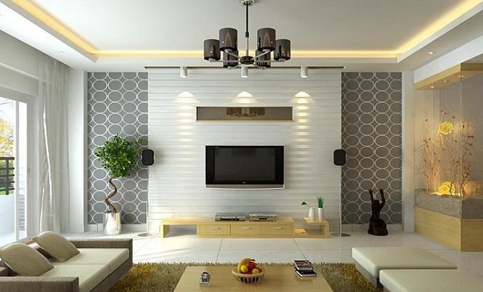 Modern nappali televízióval, mintás tapétával