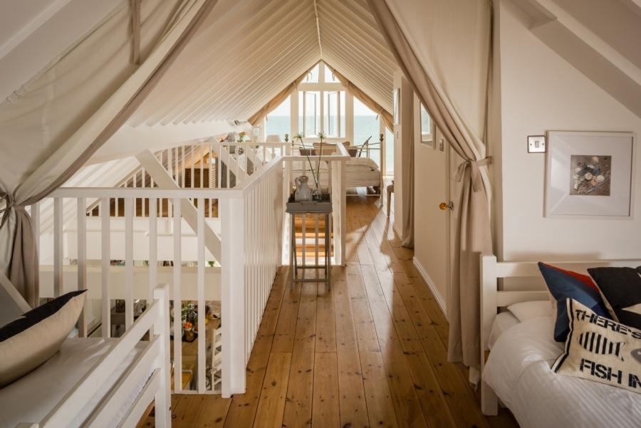 Otthonos nyaraló emelet