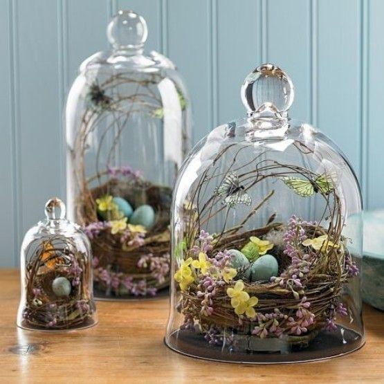 Üvegbúra húsvéti dekorációval