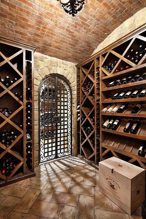 Fektetve tárolt borok design