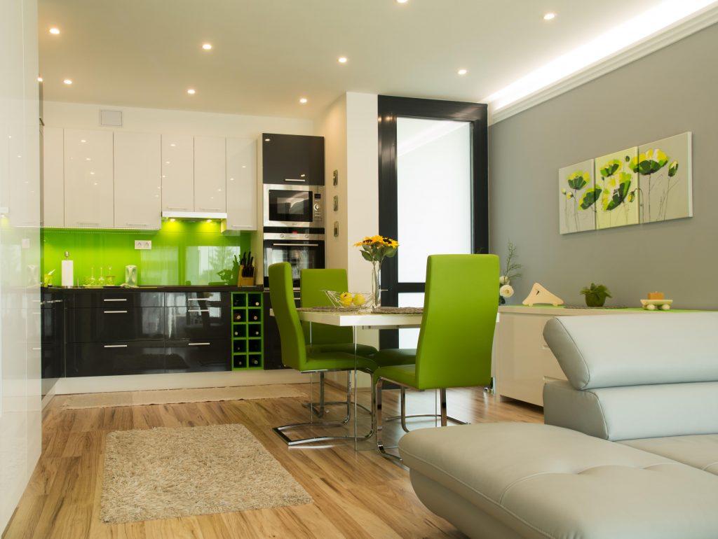 Zöld és szürke a konyhában és étkezőben